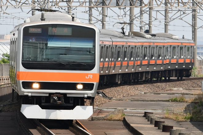 京葉車両センターE231系ケヨMU5編成を南船橋駅で撮影した写真
