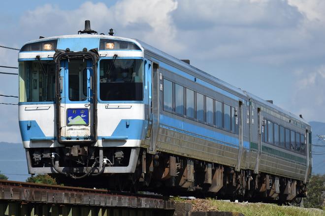 高松運転所キハ185系21を牛島~下浦間で撮影した写真