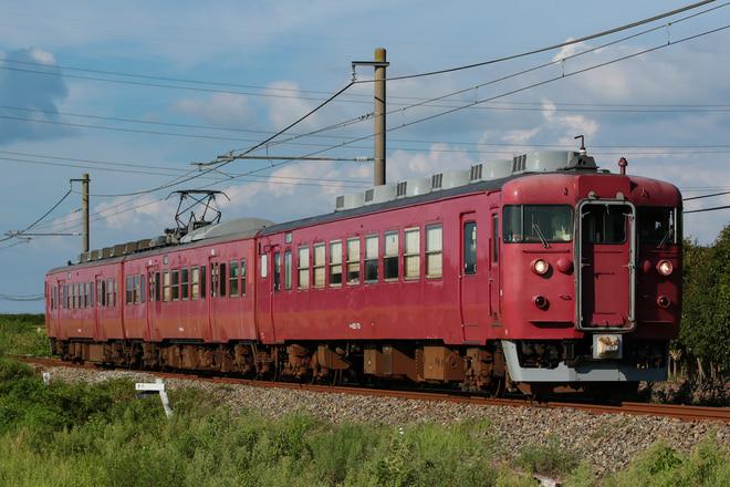 金沢総合車両所運用検修センター413系サワB04編成を徳田~能登二宮間で撮影した写真