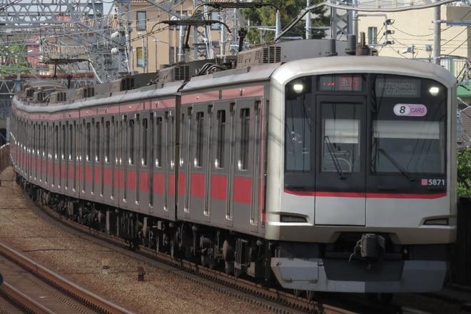 元住吉検車区5050系5171Fを多摩川駅で撮影した写真