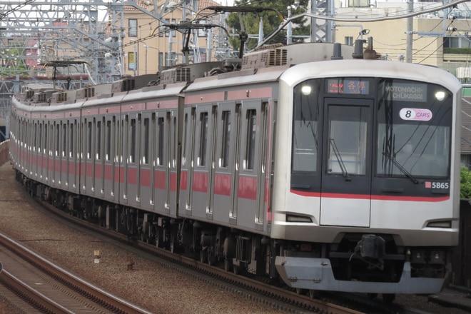 元住吉検車区5050系5165Fを多摩川駅で撮影した写真