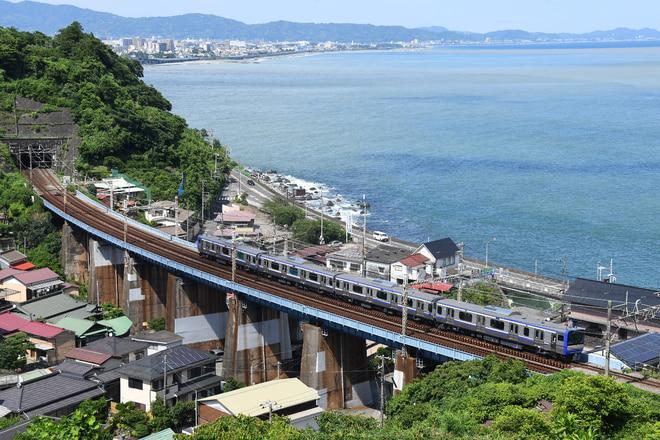 鎌倉車両センター本所E235系を早川~根府川間で撮影した写真
