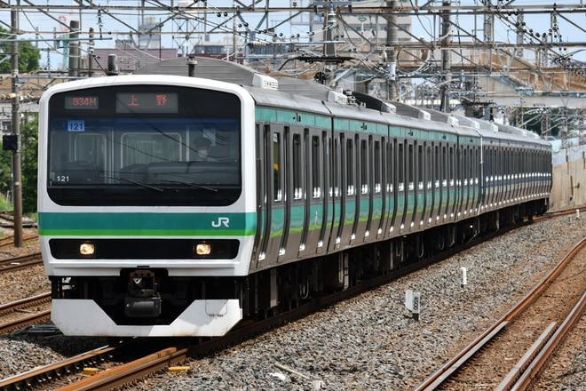 松戸車両センターE231系マト121編成を馬橋駅で撮影した写真