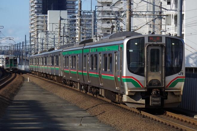 仙台車両センター本所E721系センP-7編成を長町駅で撮影した写真